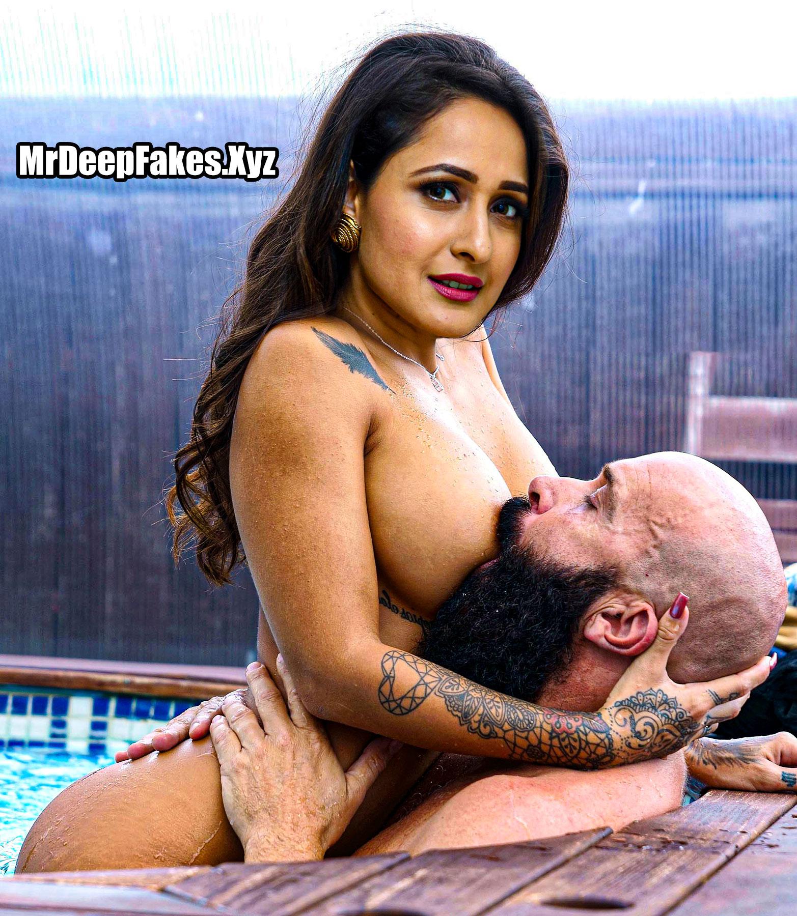 Big boobs Pragya Jaiswal milk tank sucking fakes