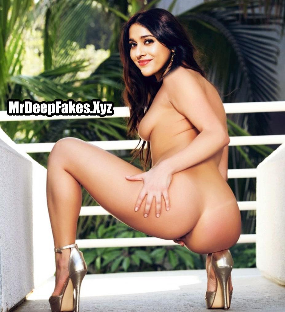 Full nude actress Rashmi Gautam nude ass back pose