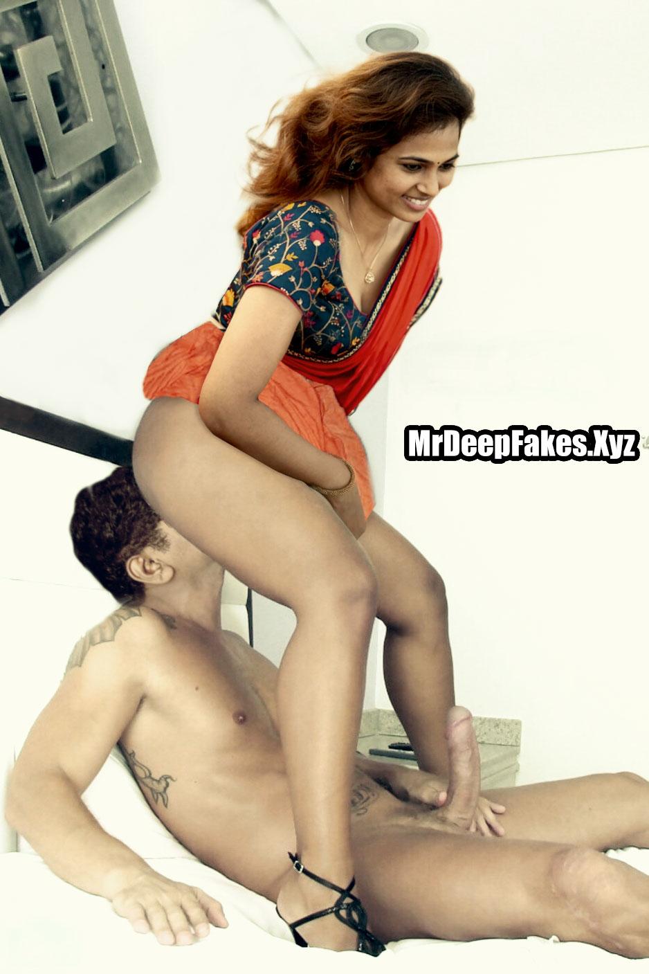 Sexy Ramya Pandiyan ass licking xx Saree semi nude photo