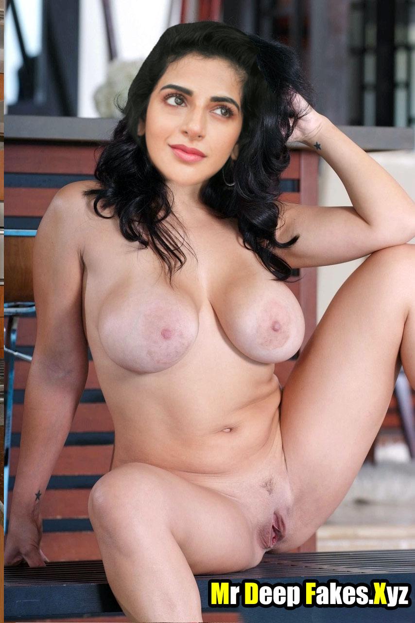 Big boobs Iswarya Menon full nude pose naked body without dress